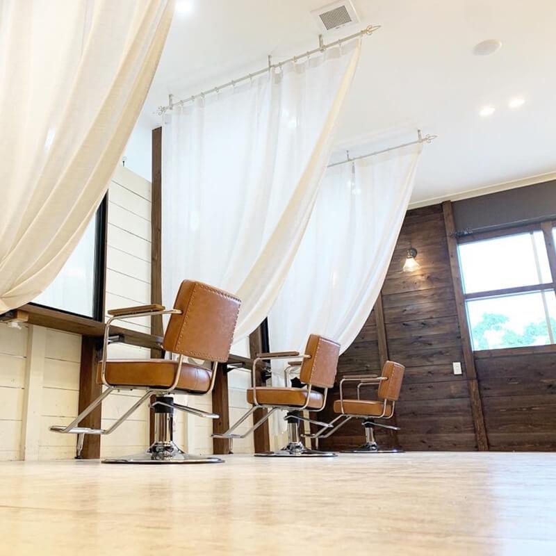 福島市の美容室 | chouchou 店舗イメージその2 店内その1